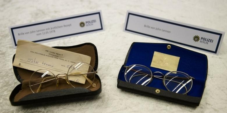 Dzienniki i okulary Johna Lennona odnalezione w Berlinie