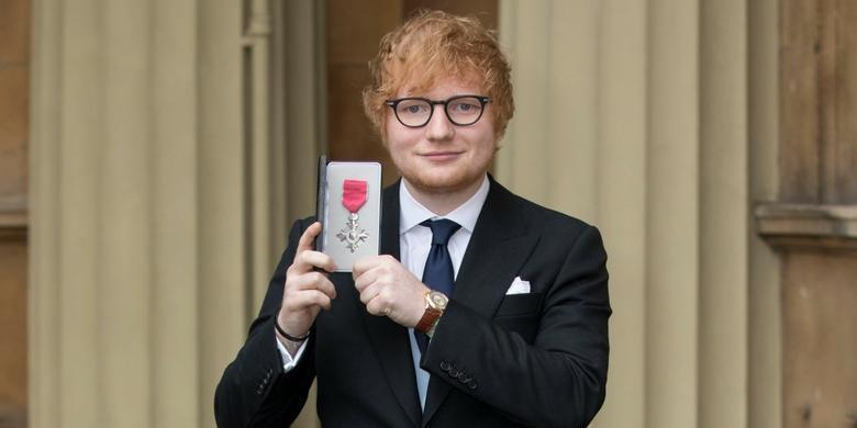 Ed Sheeran odebrał order od księcia Karola