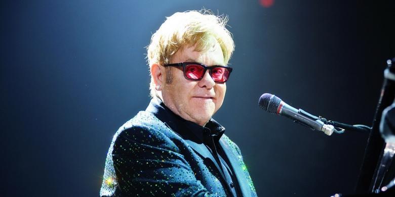 Elton John nagra nowe wersje utworów z Króla Lwa?