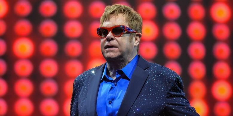 Gwiazdy zaśpiewają przeboje Eltona Johna