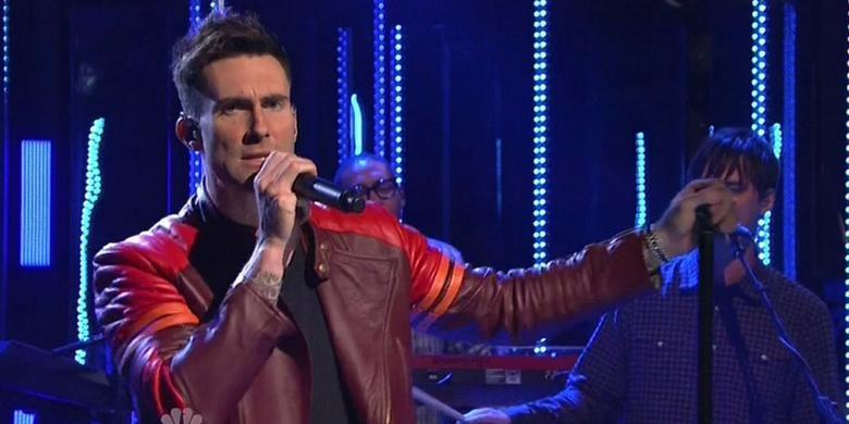 Muzycy Maroon 5 zaśpiewali w przebraniu w nowojorskim metrze