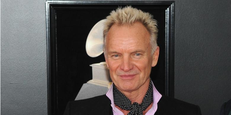 Sting zaskoczył pasażerów, śpiewając karaoke w metrze